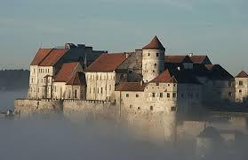 burghausen-burg-and-fog